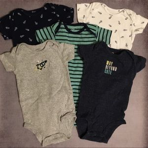 5 pack Carter's short sleeve onesies